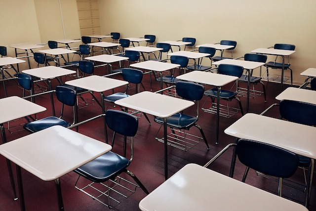 Empty classroom. Image by Wokandapix from Pixabay
